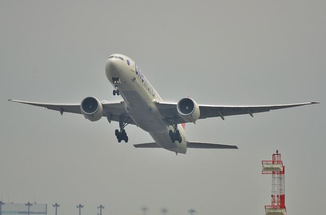 JAL B773ER 1