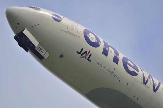 JAL B773ER 4