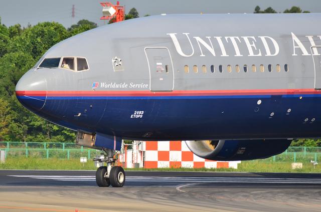 UA B777 1