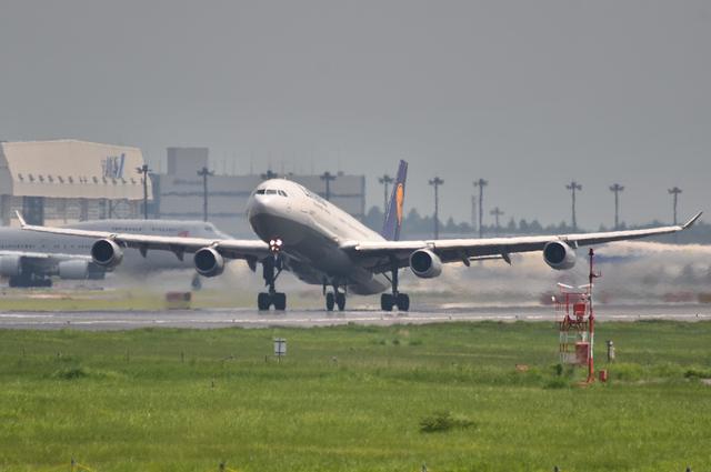 LH A340 1
