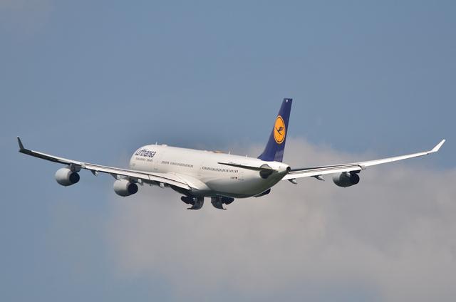 LH A340 6