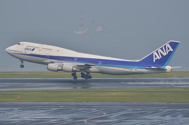 ANA B747 11