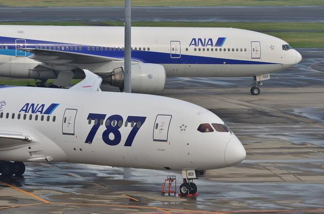 787と777の横顔