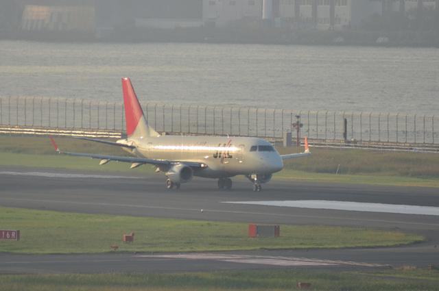JAL E170 2