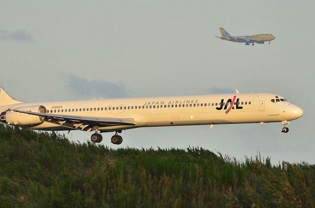 JAL MD90とANA B747