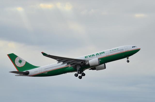 エヴァー航空 A330