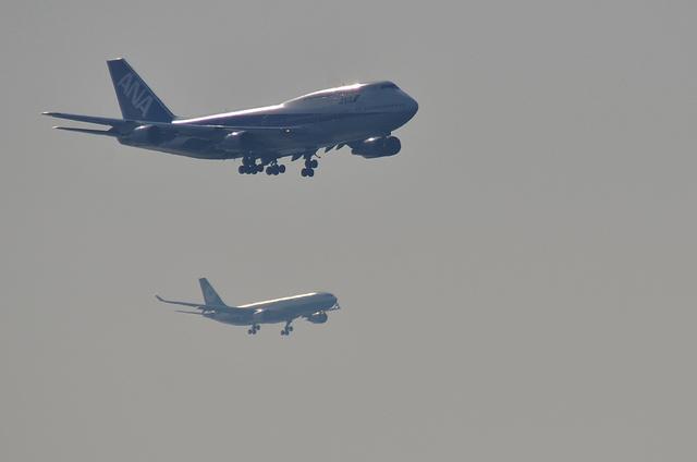 ANA B744とEVA A330
