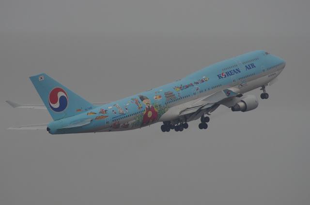 KE B744 8