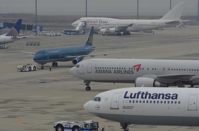 LH A340 と飛行機たち