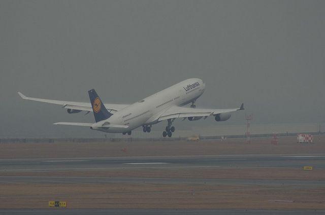 LH A340 Climb
