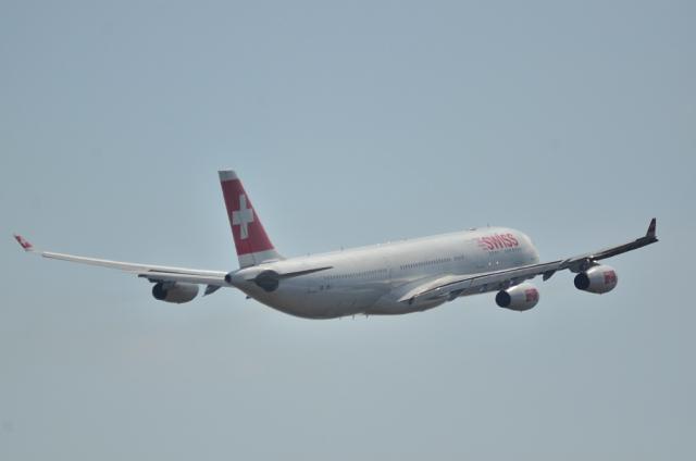 スイス A340 4