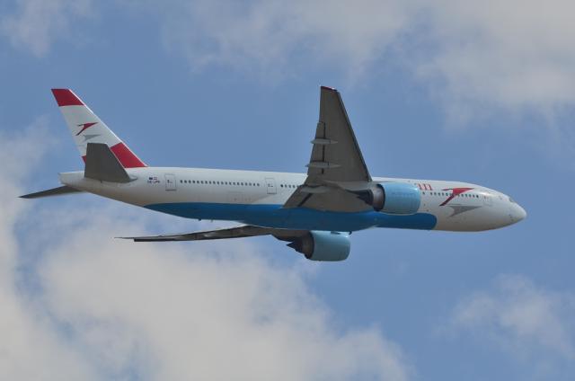 オーストリア航空 B777 5