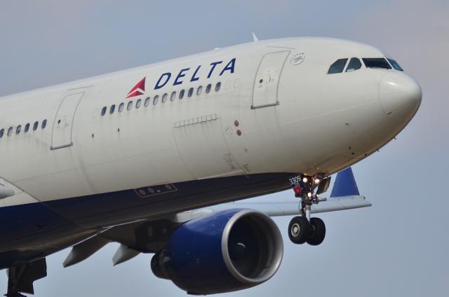 DL A330 2
