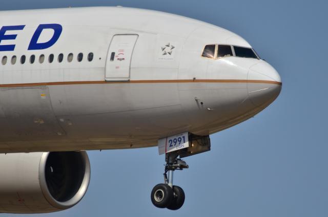 UA B777 3