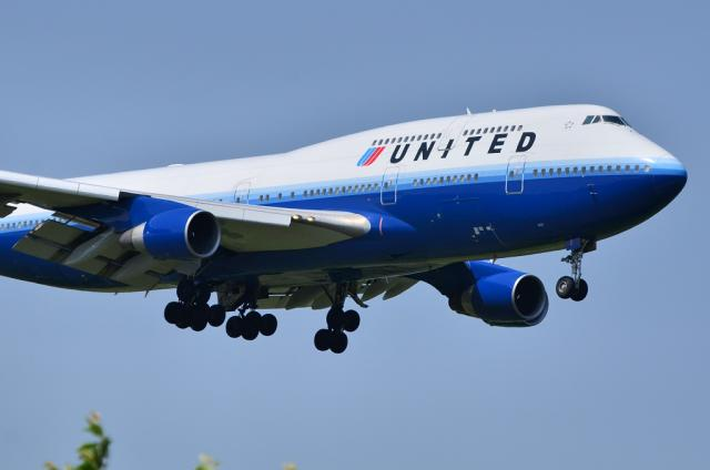 UA B744 2