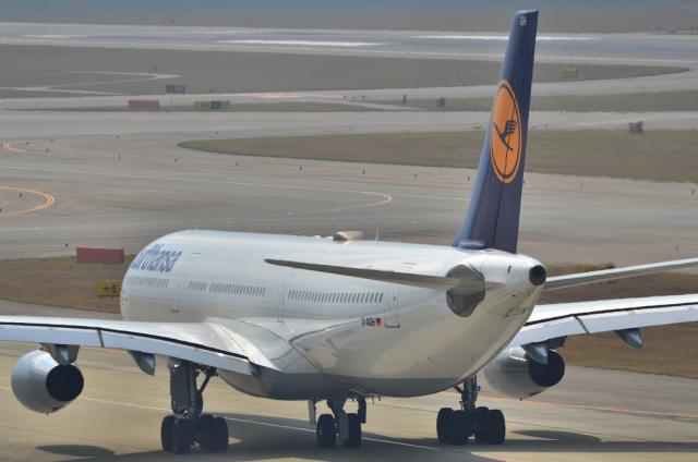 ルフトハンザ A340 2