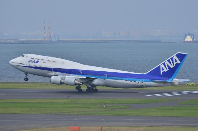 ANA B747 9
