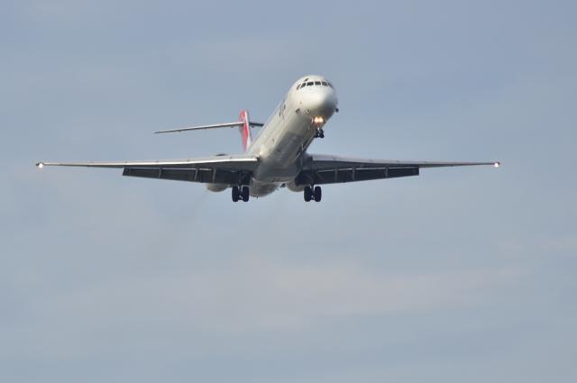MD-90 4