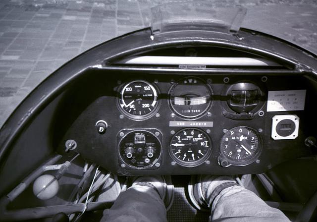 ka-8_cockpit.jpg
