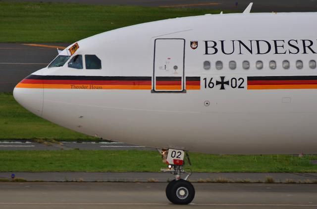 A340_D72_7180.jpg