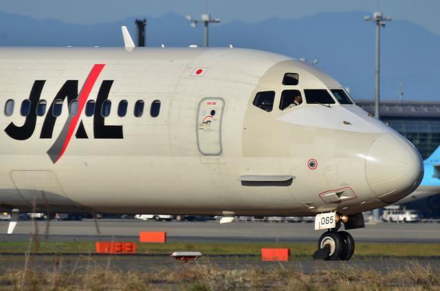 MD-90_D72_6254.jpg